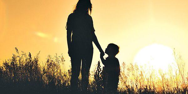 Những gì một người mẹ thành công phải dạy con: Dù trắng tay hay trở thành tỷ phú, phải luôn nhớ 40 điều sau để đứng trên đỉnh cao cuộc đời