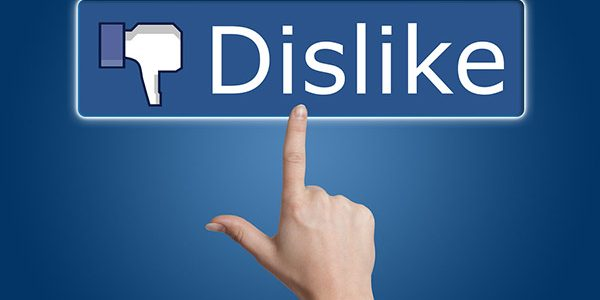 Mối quan hệ giữa Facebook và doanh nghiệp: Bằng mặt không… bằng lòng